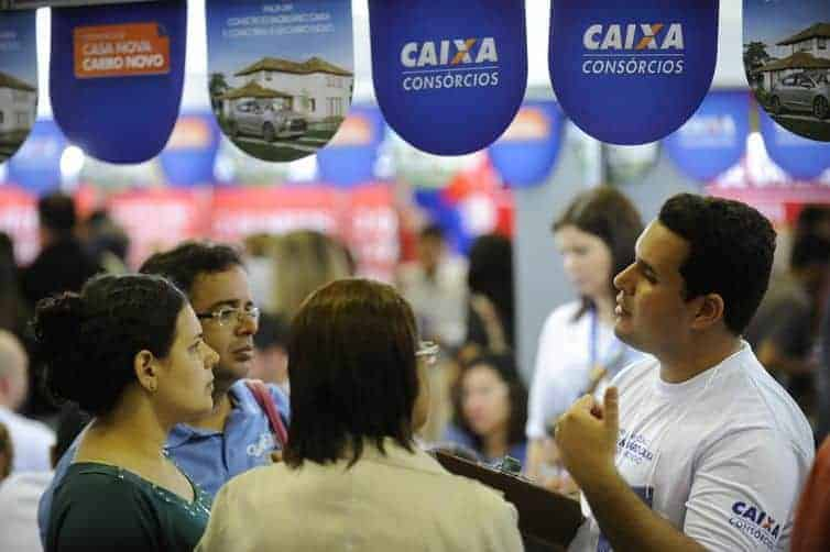 Feirão da Casa Própria da CAIXA 2018 negocia 202 mil imóveis em 15 cidades
